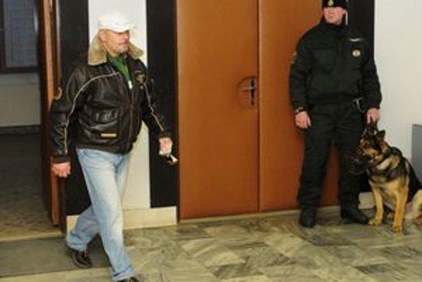 Miloš Kaštan na súde s Mikulášom Černákom.