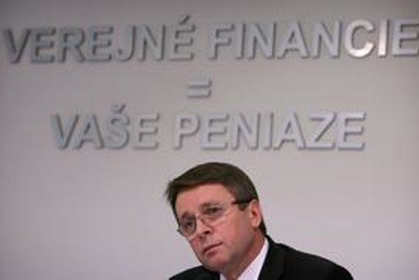Ministra Mikloša sa koaliční partneri plánujú opýtať, či by sa našich peňazí na prenájom budov nedalo míňať menej.