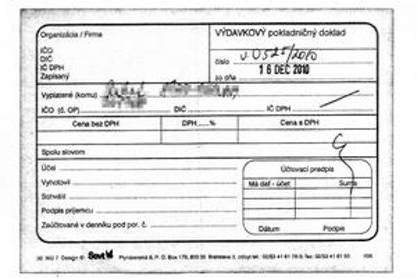 Na  pokladničnom doklade, ktorý ambasáda vystavila, chýbajú údajeo zastupiteľskom úrade, pečiatka či suma.