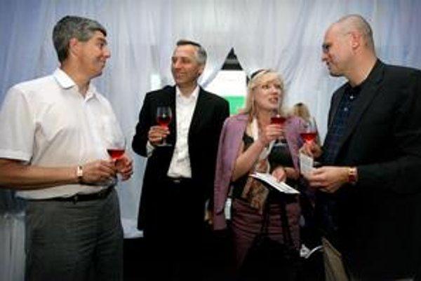 Pred rokom. Budúci koaliční partneri Béla Bugár (MostHíd), Ján Figeľ (KDH), Iveta Radičová (SDKÚ) a Richard Sulík (SaS) sa stretli aj 9. júna 2010, tri dni pred voľbami, na koncerte Boba Dylana.