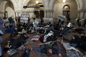 Protestujúci v centre Washingtonu.