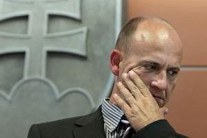Jaroslav Spišiak vysvetľoval, že návšteva policajného prezidenta u jeho podriadených nie je ovplyvňovanie.