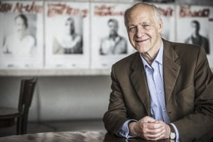 Jacques Rupnik. Do svojich pätnástich rokov žil v Prahe. Neskôr sa venoval nášmu regiónu ako historik a politológ. V rokom 1990-92 bol poradcom prezidenta Havla.