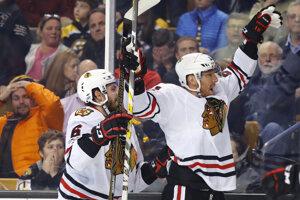 Marián Hossa rozhodol o víťazstve Chicaga na ľade Bostonu.