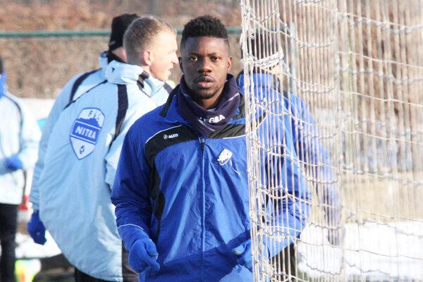 Nobi McDonald je 22-ročný stopér z Kamerunu.