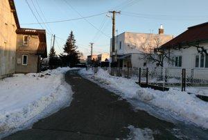 Výdatné sneženie narobilo problémy aj Sobrančanom.