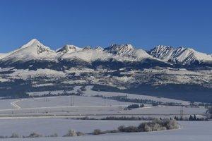 Pohľad na západnú časť centrálnych Vysokých Tatier.