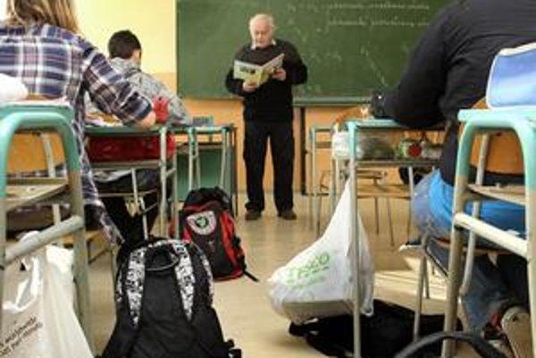 Učiteľ musí na vyšší plat zbierať kredity.