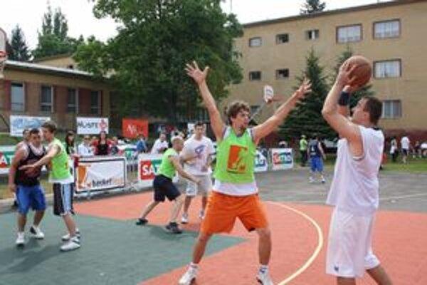 V sobotu sa bude v Bojniciach konať streetballový turnaj.