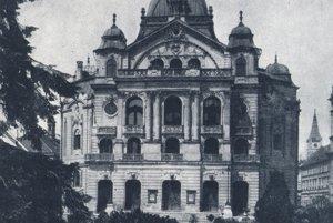 Budova divadla v 30. rokoch 20. stor.