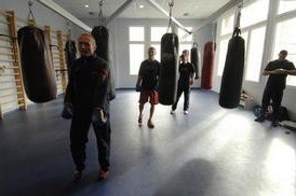 Čím viac boxu, tým väčšia závislosť od športu a nie od drog. Toto heslo presvedčilo úradníkov, aby priklepli občianskemu združeniu, ktoré sa venuje boxu, 30-tisíc eur.