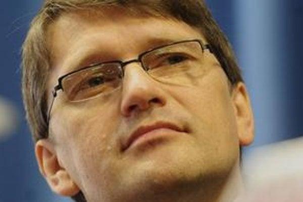 Marek Maďarič podpísal dva tendre, na ktorých zrejme zarobil druh šéfky ekonomickej sekcie ministerstva kultúry.