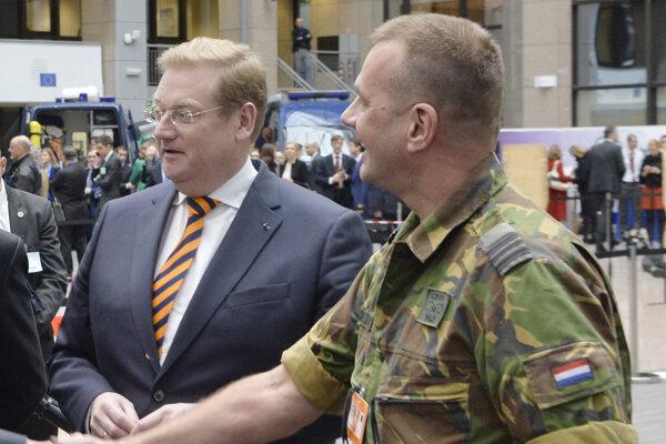 Ard van der Steur (vľavo).
