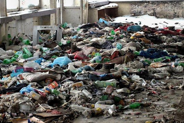 Odpadu stále pribúda.