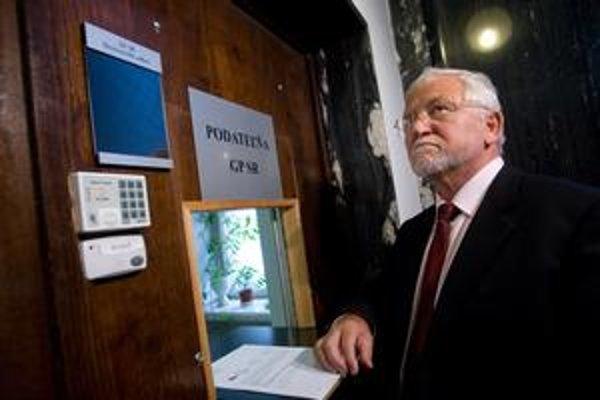 Bohumil Hanzel očakáva, že ho prokuratúra zavolá vypovedať ku kauze financovania Smeru.
