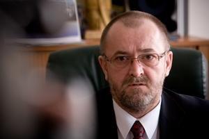 Po škandále pôjde Tibor Mako na veľvyslanectvo.