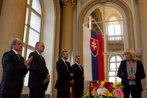 Štyria predsedovia strán. Dvaja budú v parlamente, dvaja vo vláde. Povedie ich budúca premiérka Iveta Radičová.