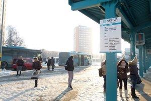 Vodiči autobusov ostávajú v štrajkovej pohotovosti.