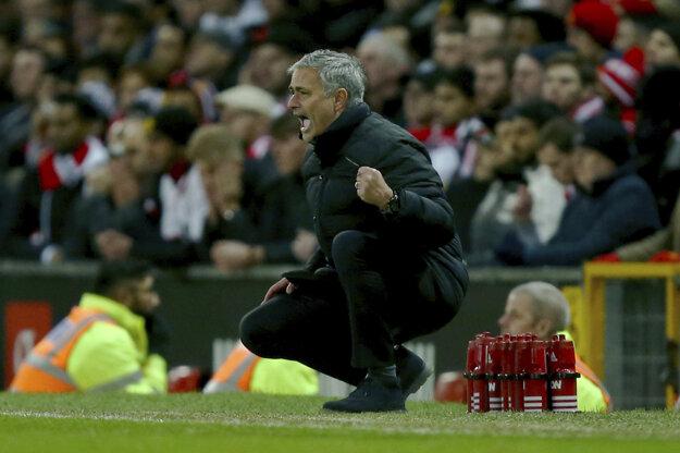 Jose Mourinho priznáva, že on sám mal ponuku z Číny, ale odmietol ju.