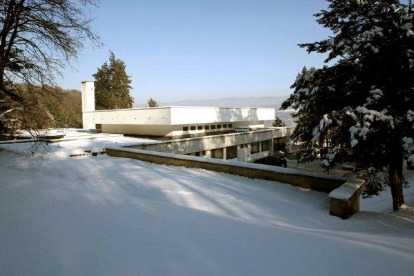 Banskobystrické krematórium patrí k najstarším na Slovensku. Pece majú tiež už 37 rokov.