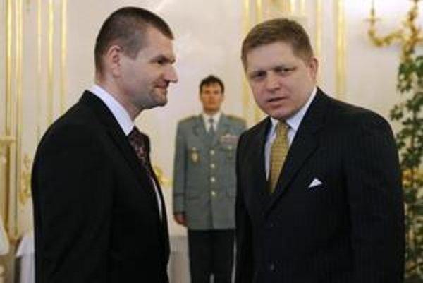 Igor Štefanov a premiér Fico počas ministrovho odvolávania.
