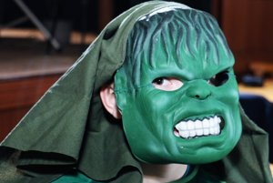 Niektoré masky boli aj strašidelné.