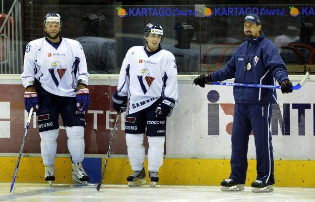 Ľubomír Vaic (v strede) hrával istý čas aj za Slovan Bratislava.