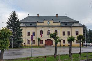 Jelšavskí poslanci schválili finančnú pomoc centru.