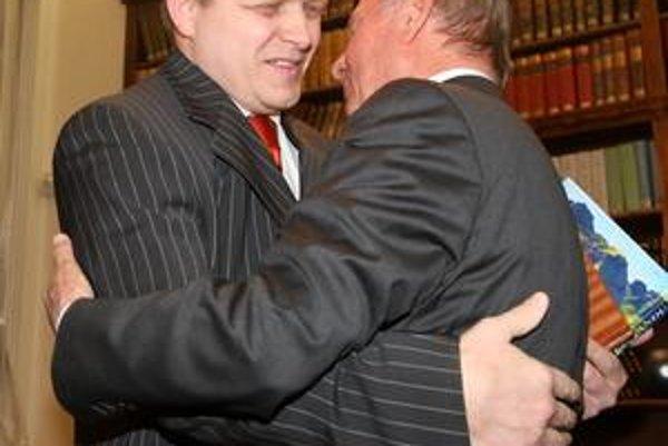 Hlavným hosťom večera bol premiér Robert Fico.