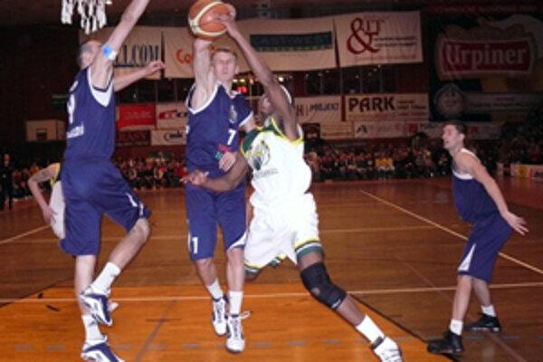 Zápas Prievidze s Handlovou sa hral pred skvelou diváckou kulisou.