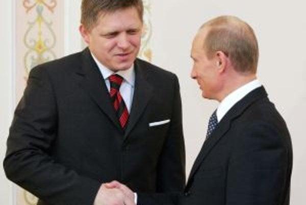 V máji 2007 sa premiér Robert Fico stretol s vtedajším ruským prezidentom Vladimírom Putinom. Ten ho pozval do svojej rezidencie v Novo-Ogarjove pri Moskve.