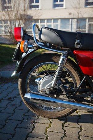 Bubnová  brzda na zadnom kolese bola montovaná na všetky modely bez rozdielu výbavy. Slabšie zadné tlmiče, žiaľ, tiež.
