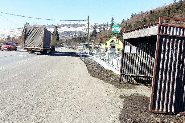 Zastávka pre Zábiedovčanov, štyri kilometre od dediny avtrstenskom katastri.
