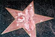 Poškodená hviezda Donalda Trumpa.
