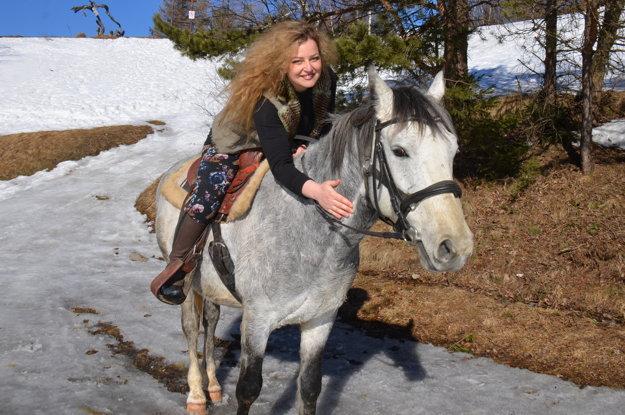 Jazda na koni na Slovensku.