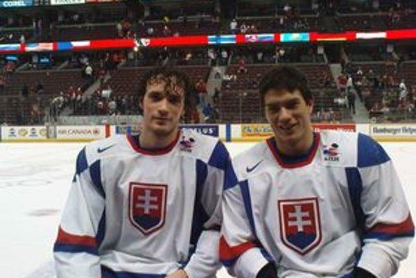 Viedenský (vľavo) so spoluhráčom z reprezentácie Štajnochom.