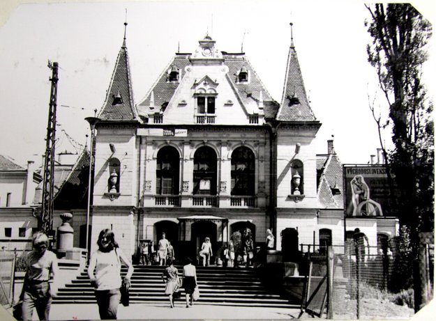Historická stanica v meste. Takto kedysi vyzerala košická železničná stanica.