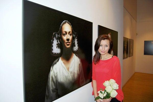 Fotografka Petra Lajdová nafotila unikátnu kolekciu čepcov a párt.