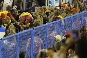 Karnevalový voz v Riu havaroval, zranil najmenej 8 ľudí
