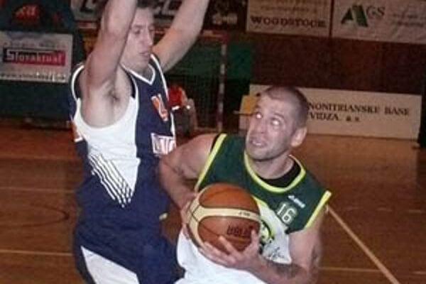 Pavel Bosák dostal v internetovom hlasovaní, ktoré určovalo základné päťky exhibície, najviac hlasov od fanúšikov basketbalu.