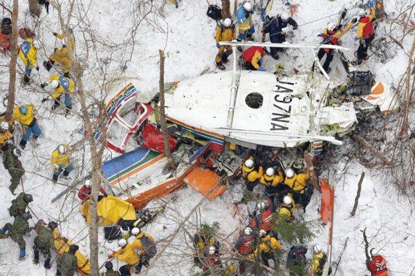 Havarovaný záchranársky vrtuľník v Japonsku.