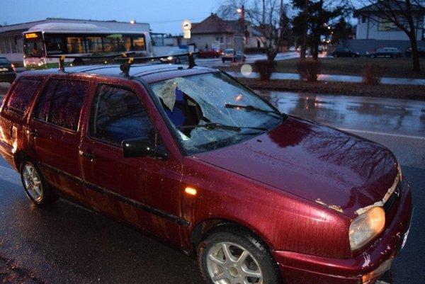 Polícia prosí o pomoc svedkom tragickej nehody.