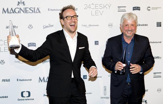 Režisér Július Ševčík (vľavo) a producent Rudolf Biermann. Ich film Masaryk získal spolu 12 Českých levov. To je rekord.