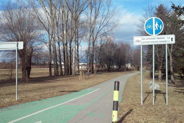 Mestá aobce hľadali spoločne cestu, kadiaľ by mohlo viesť pokračovanie cyklochodníka.