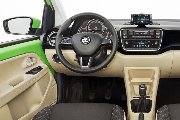 Elegantne pôsobiaci nový kokpit. Na pohon nového modelu Citigo sú k dispozícii tri jednolitrové trojvalce, ktoré pokrývajú výkonový rozsah od 44 kW do 55 kW.
