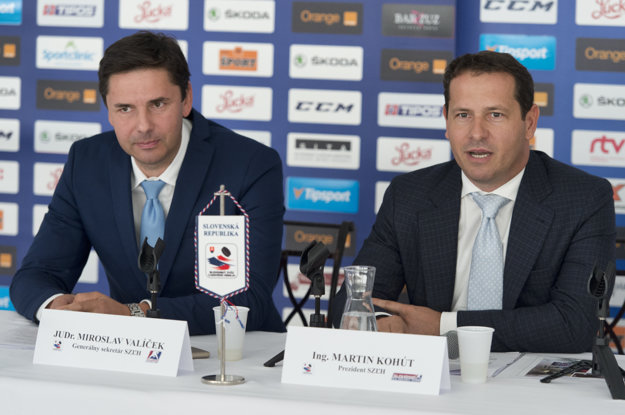 Vľavo Miroslav Valíček a s ním Martin Kohút, prezident SZĽH.