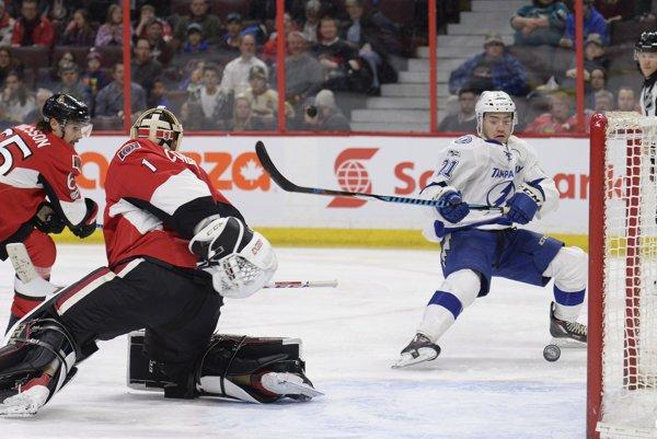 Hráči Tampy zdolali Ottawu i bez pomoci Petra Budaja v bráne.