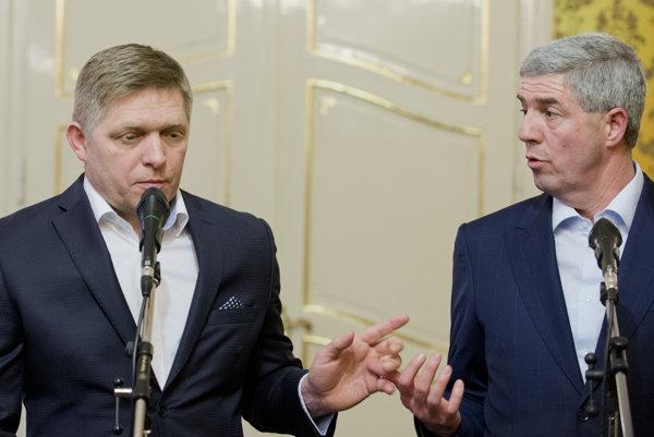 Lídri vládnej koalície Robert Fico (Smer) a Béla Bugár (Most).