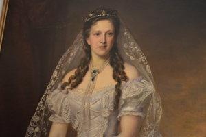 Krásavica. Grófka Leontína, manželka grófa Aladára Andrassyho.