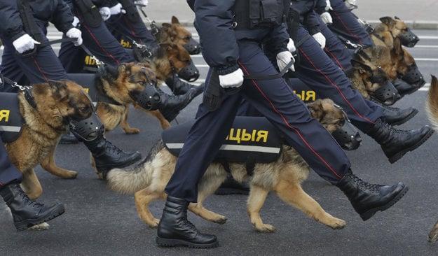 Vlčiaky v službách bieloruskej polície.